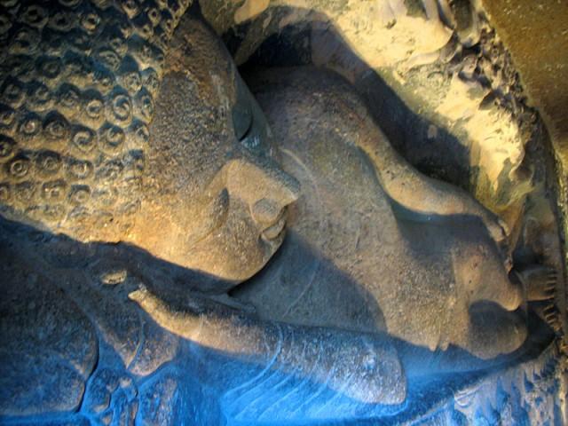 Аджанта. Большой Будда: воплощение покоя от головы...