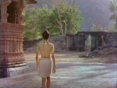 Покидая храм