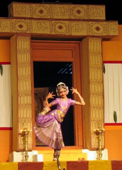 На фестивале Натьянджали выстапают и совсем юные исполнители...