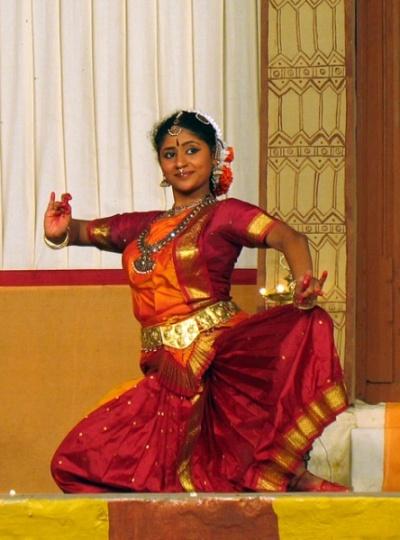 И снова Бхаратанатьям, знаменитый танец штата Тамил Наду