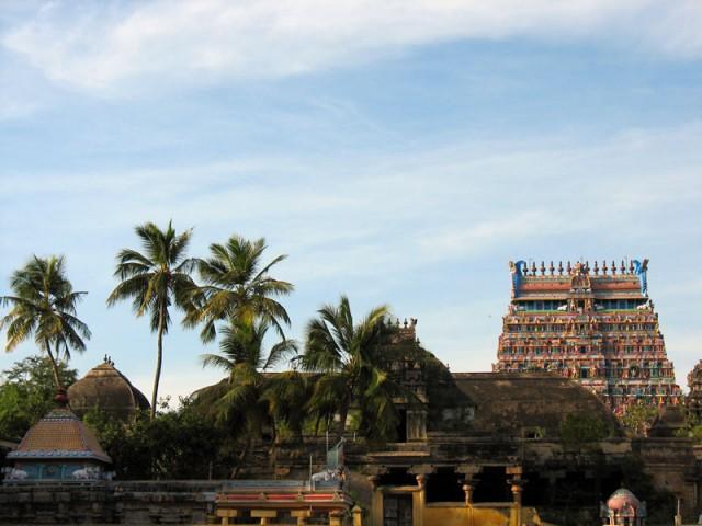 Храм Натараджа уже показывается издалека