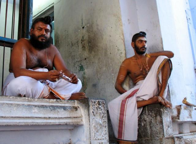 Чидамбарам. Брамины-служители в храме Натараджа - Дикшитары из Кашмира.