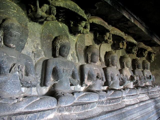 Эллора. В буддийском пещерном храме