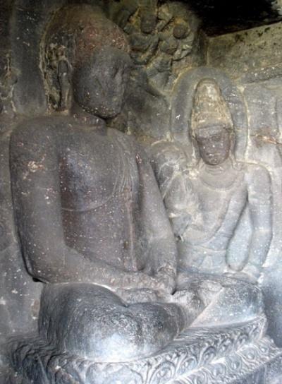 Эллора. Как всегда, невозможно сдержать восхищение пластикой скульптуры индийских мастеров