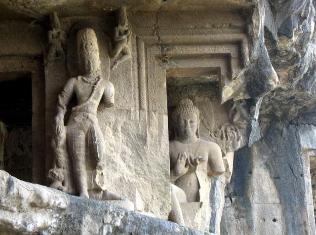 Эллора. Пещерный храм
