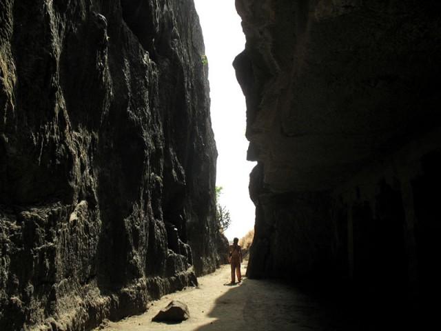 Гуляя по пещерам Эллоры