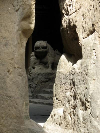Эллора. Пещеры