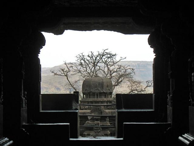 Эллора. Вид из пещеры