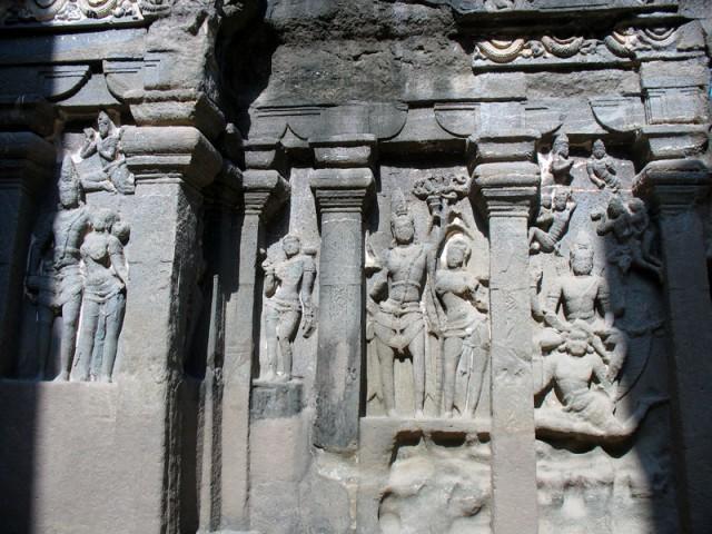 Эллора. Храм Кайлас. Рельефы.