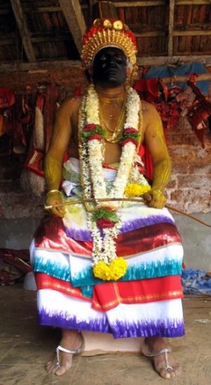 Он считается главным над всеми духами, служащими богине Чамунди