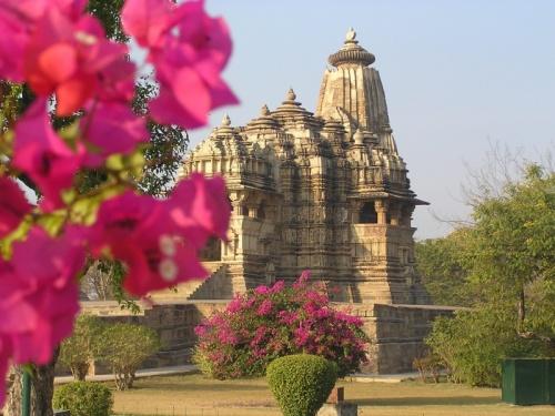 Вид на храм Кендарья