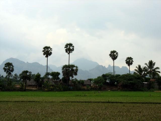 вид на горы недалеко от Каньякумари