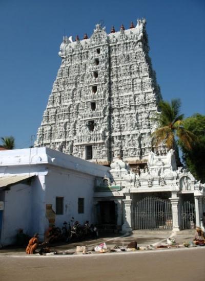 гопура (ворота) храма Сучиндрам