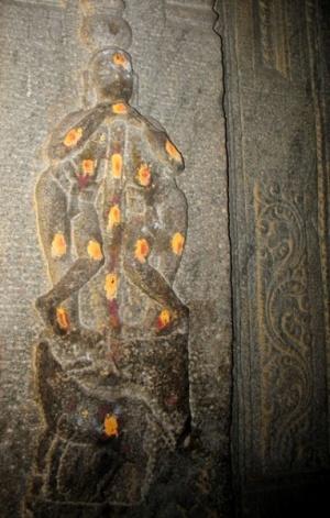 Существо с одной головой и двумя телами. Изображение на стене храма Минакши