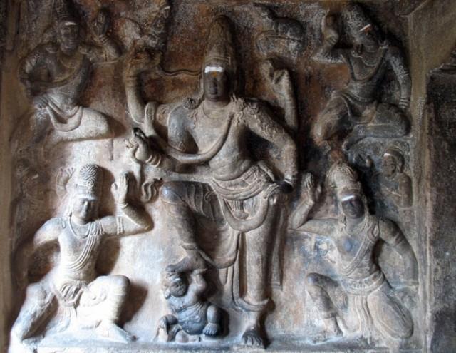 В Храме Шивы. Тричи