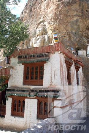Храмовый комплекс Будды в районе Каргила