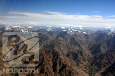 Горные массивы Ладакха. Вид из самолета.