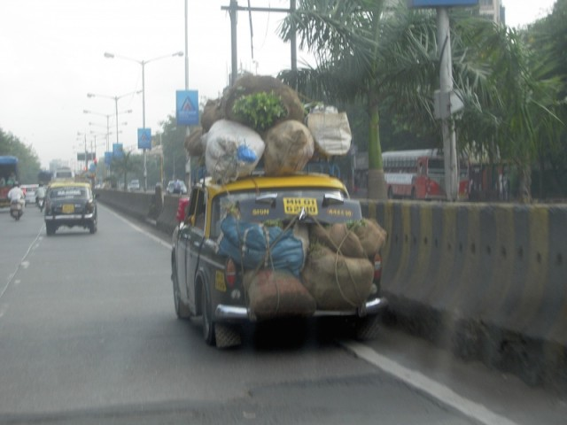 Мумбай просто такси