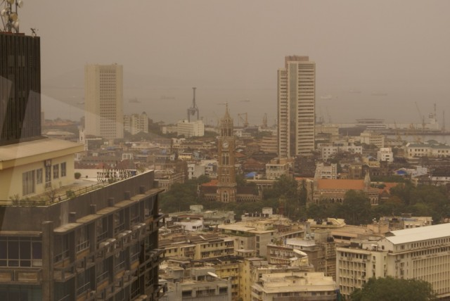 Мумбай Fort  июль, сезон дождей