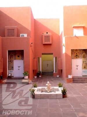 В центре – небольшая площадь, которя служит местом проведения традиционных концертов Раджастхана.