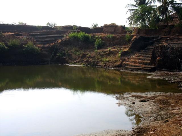 Храмовый пруд