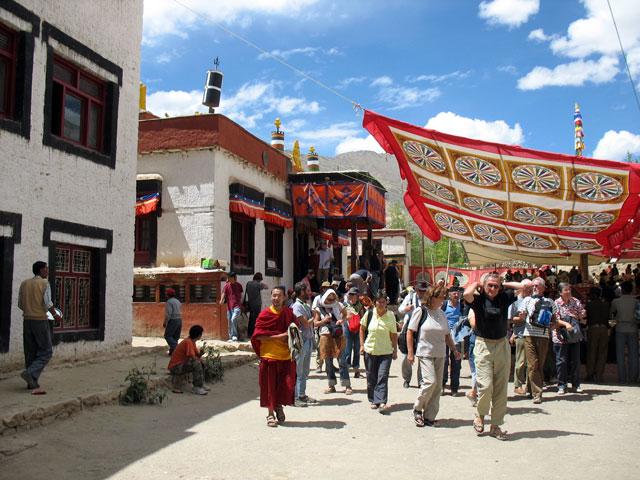 Церемония в монастыре Такток завершилась. Все расходятся