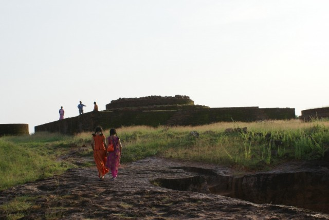 Thotlakonda, Развалины буддиских храмов