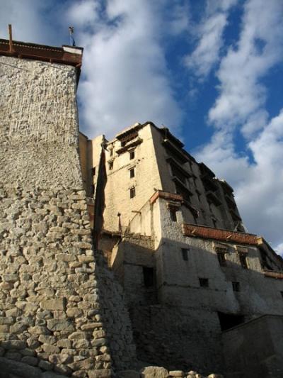 Вид на дворец из старого города, Ле