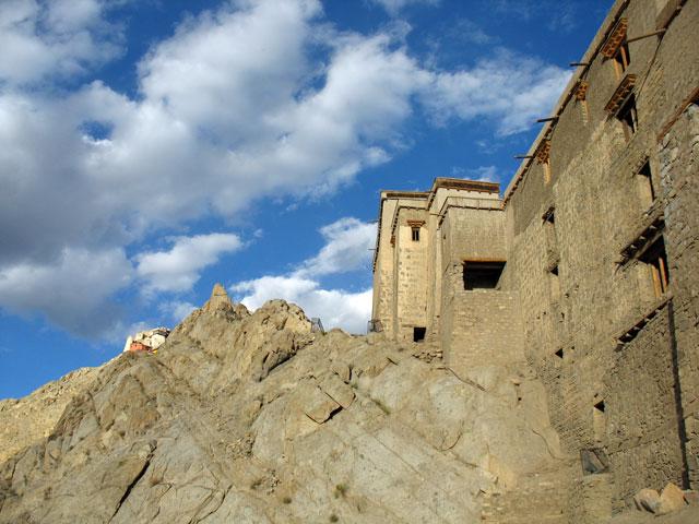 Дворцовые стены
