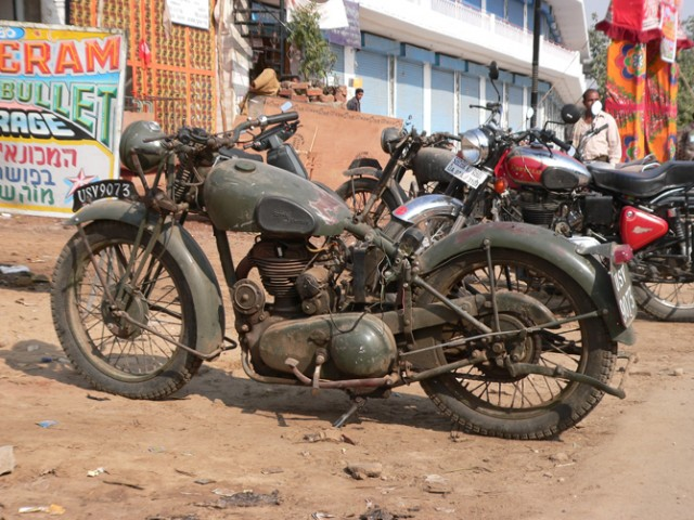 Royal Enfield Bullet . История