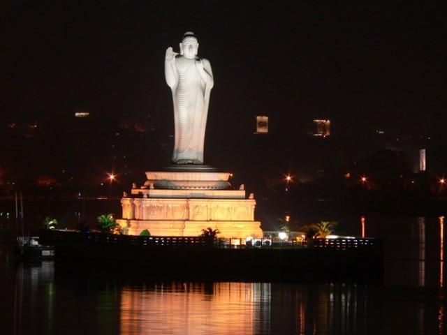 Будда в Гидрабаде