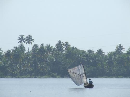 встречная лодка