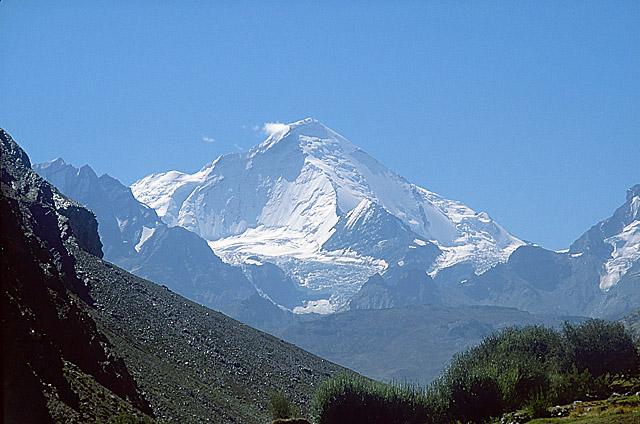 Г. Нунь (7135 м) - наивысшая точка Северной Индии.