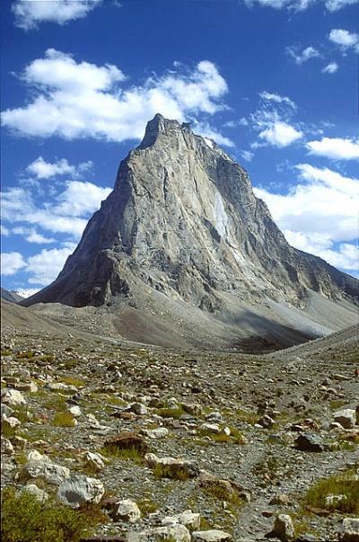 Г. Гумборанджон (5900 м).