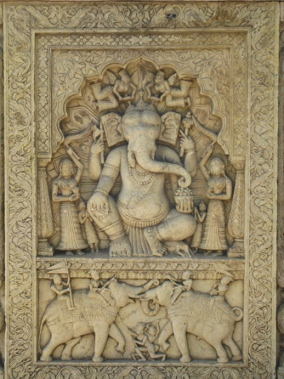 Памятные гробницы (сенотафы) в Коте