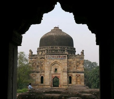Старинный храм в Дели