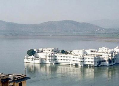 Дворец махараджи Удайпура на воде
