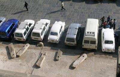 Раньше здесь был паркинг для слонов, а теперь - для автомобилей