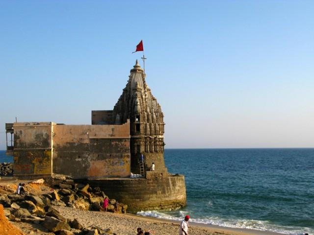 Дварака. Храм Самудра Нарайана на месте слияния Гомати и океана