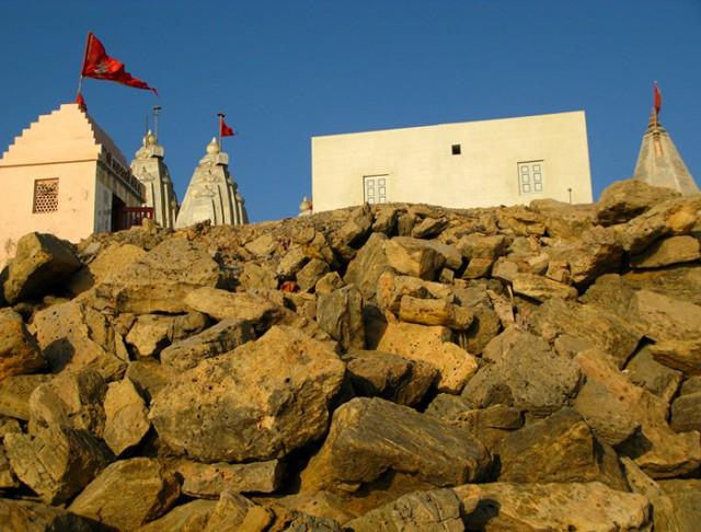 В Двараке множество храмиков