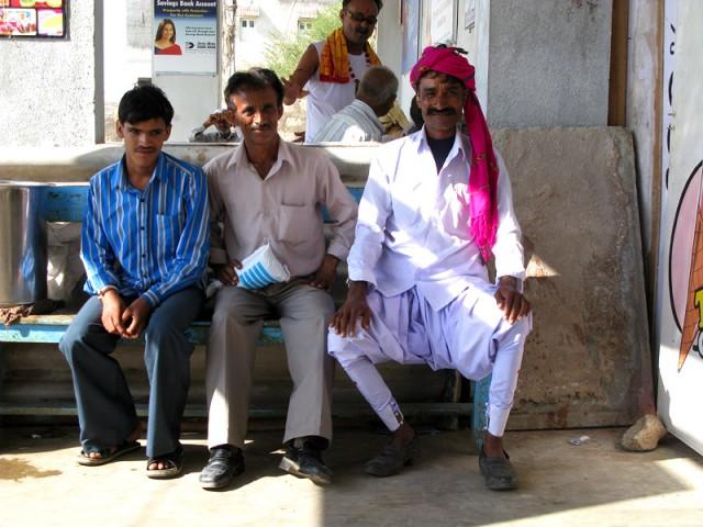 Гуджаратцы в чаевне