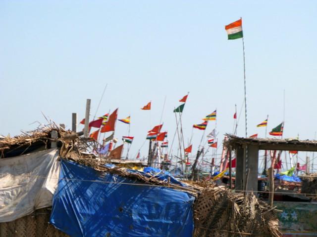 Флаги в рыбацкой деревне