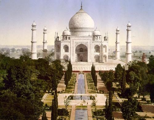 Этот снимок Тадж-Махала был сделан между 1890 и 1900 годами