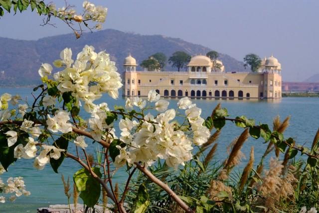 Дворец Jal Mahal (окрестности Джайпура)