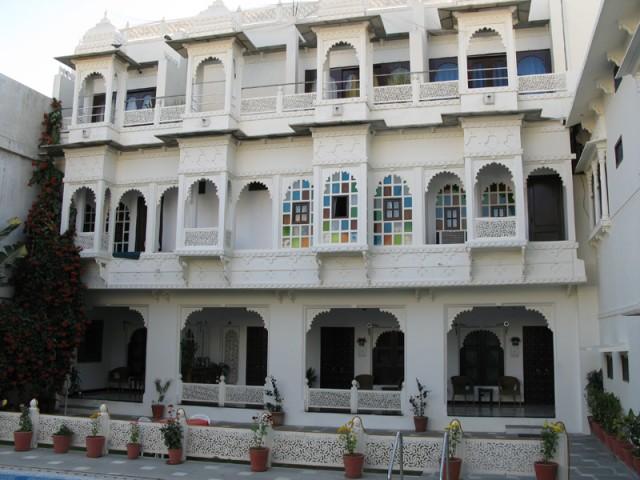 Дворик отеля в Удайпуре