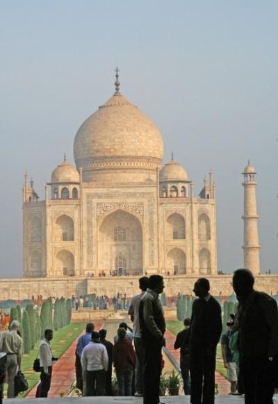 Считается, что вид из арки центрального входа, самый красивый.