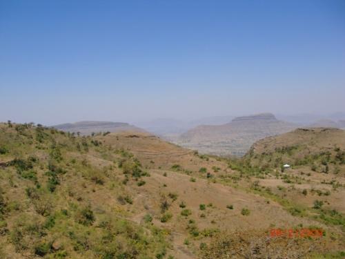 Дорога в Сапташринги из окна локал-баса