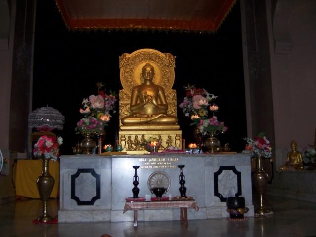 Сарнатх Статуя Будды Храм Мулагандхути Вихар
