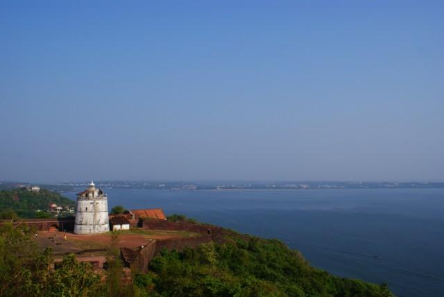 вид на форт с маяка