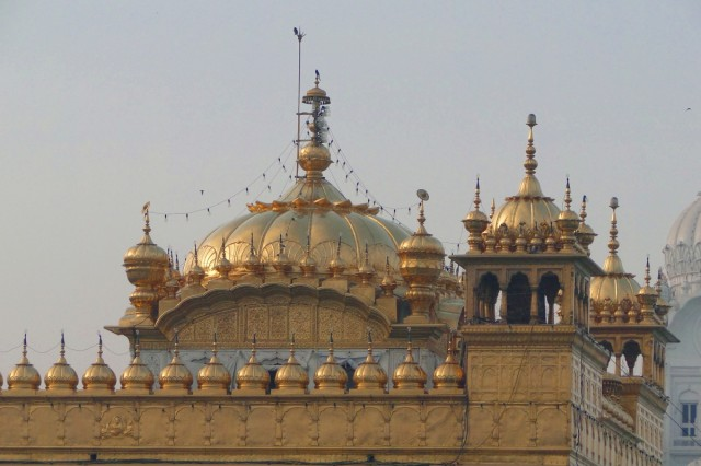 Купола Золотого храма
